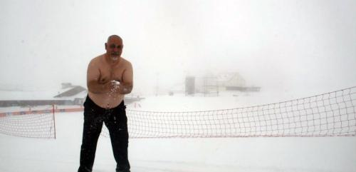 Erciyes'te 'kar kaplanı' Alanya'da 'deniz-su kaplanı'